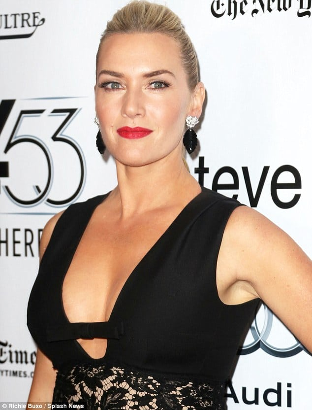 Kate Winslet sexy side boobs pics