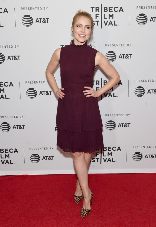 amanda schull red carpet