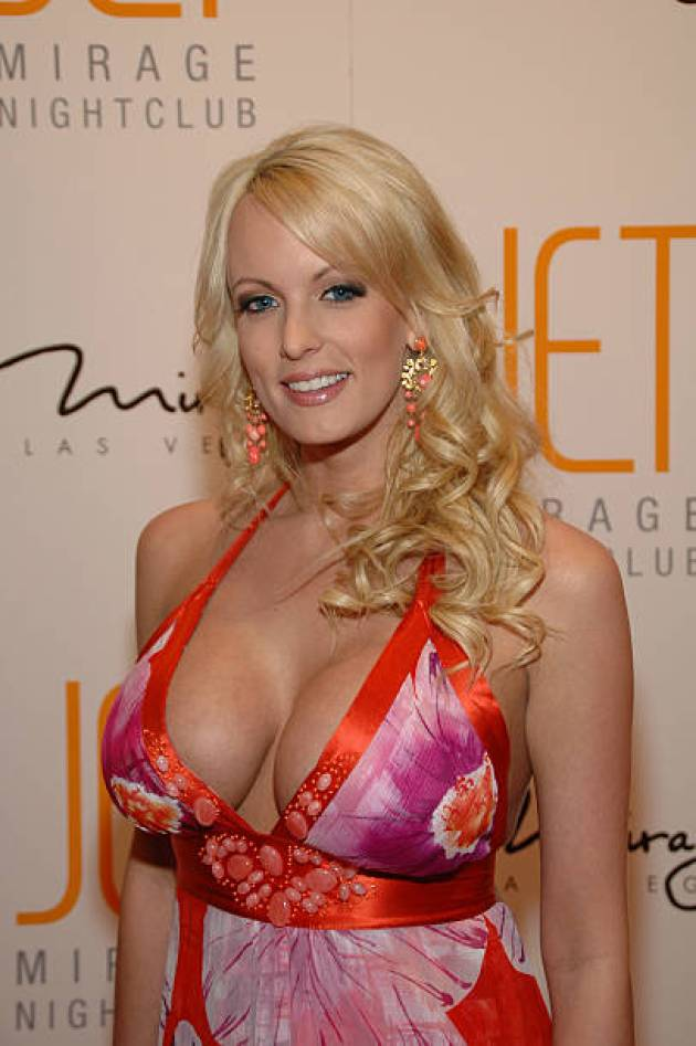 Stormy Daniels sexy cleavage pics