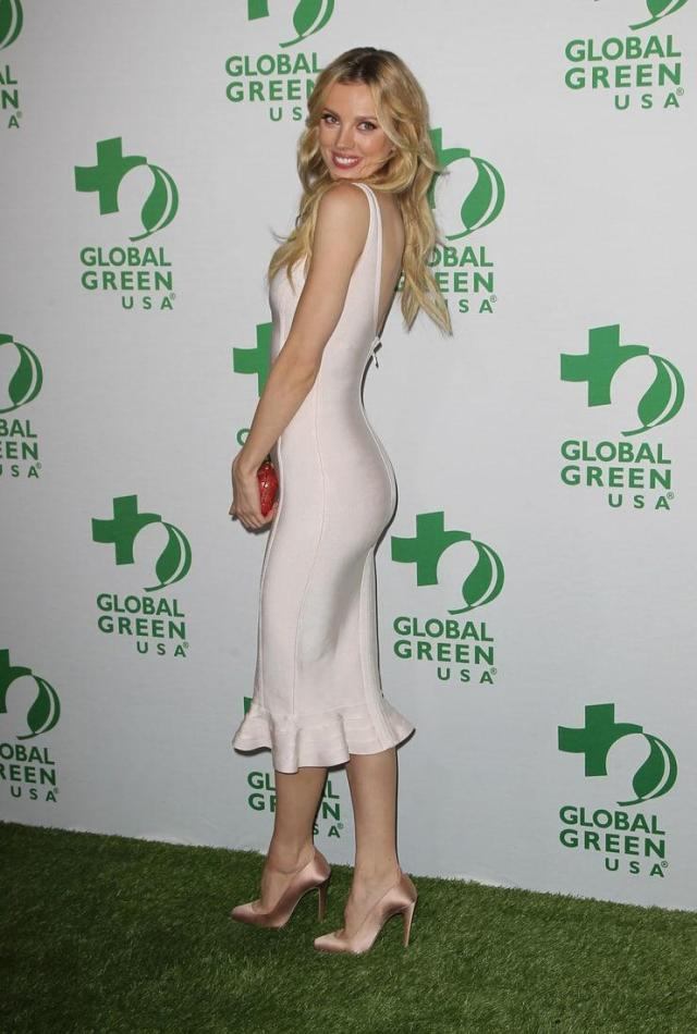 Bar Paly hot butt pictures