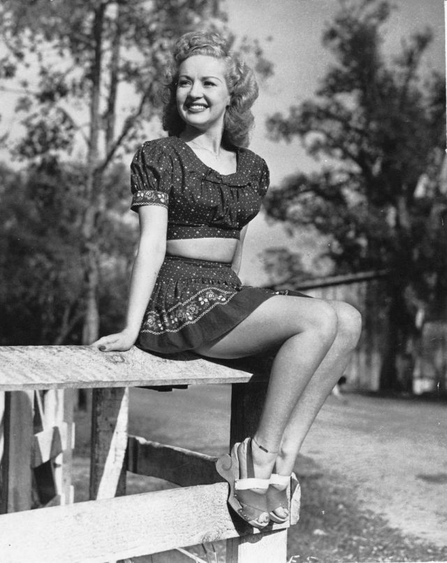 Betty Grable feet pictures