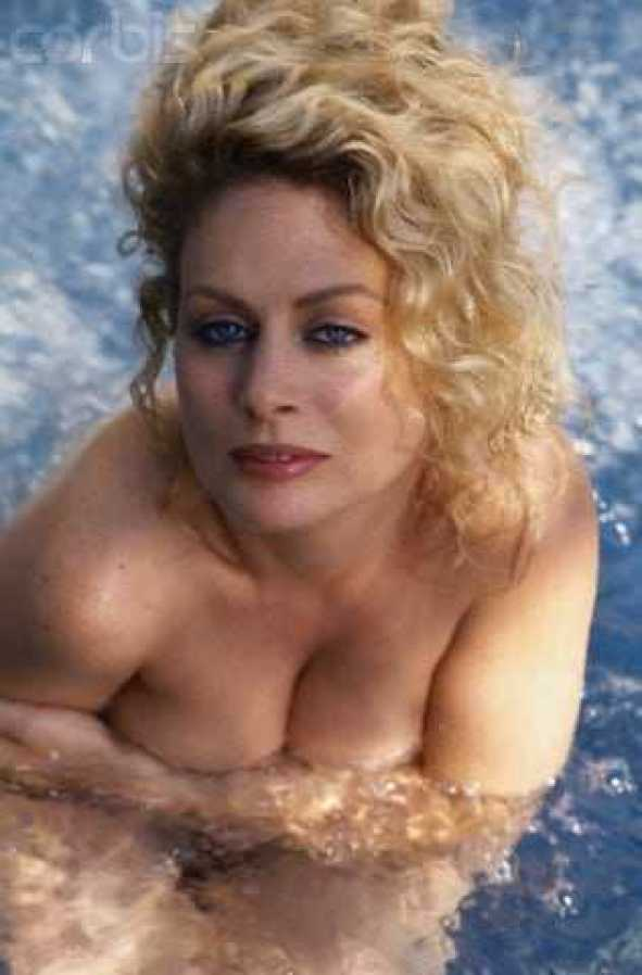 Beverly D'Angelo sexy cleavage pics