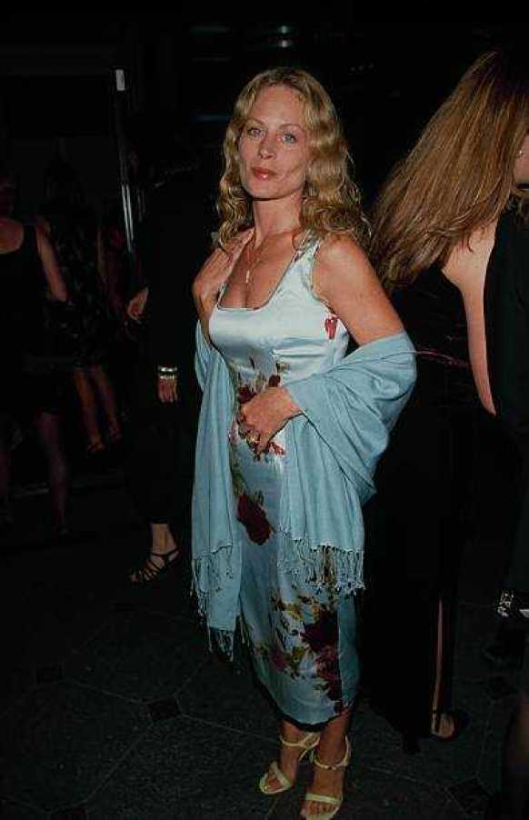 Beverly D'Angelo sexy side butt pics