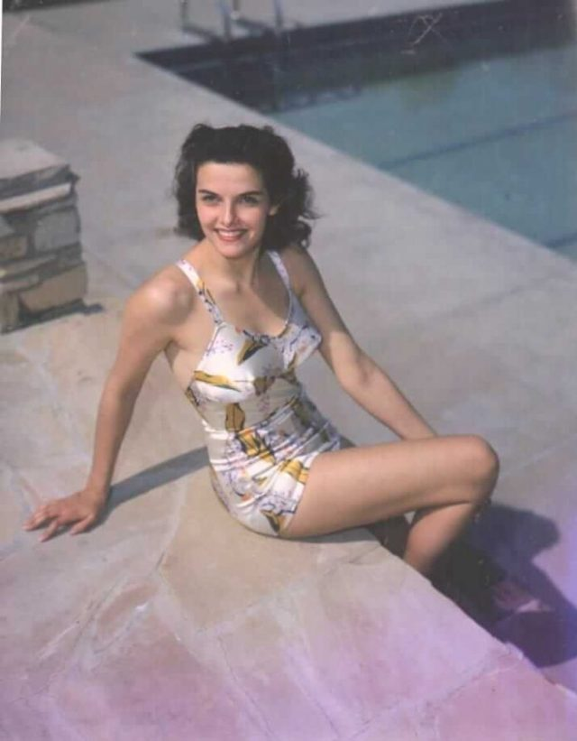 Jane Russell hot look