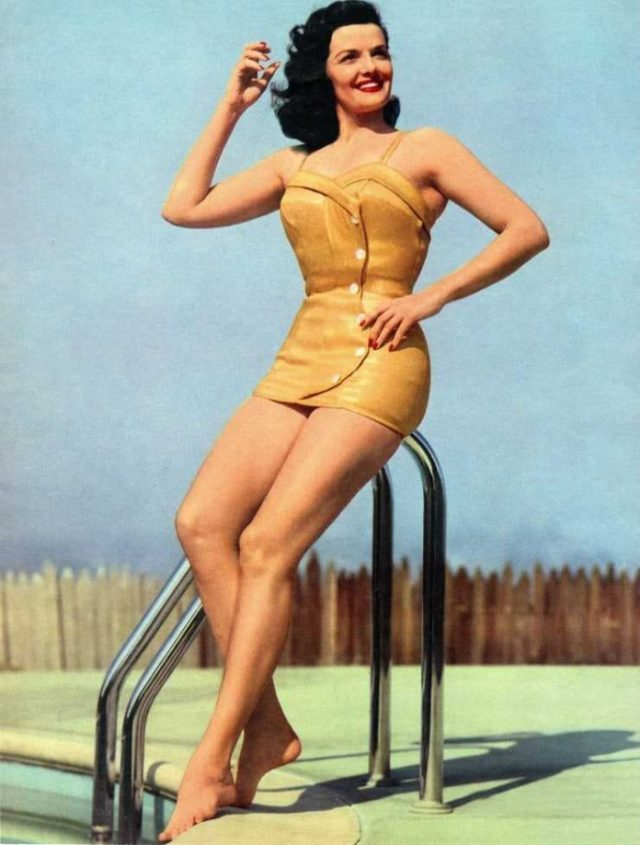 Jane Russell sexy look