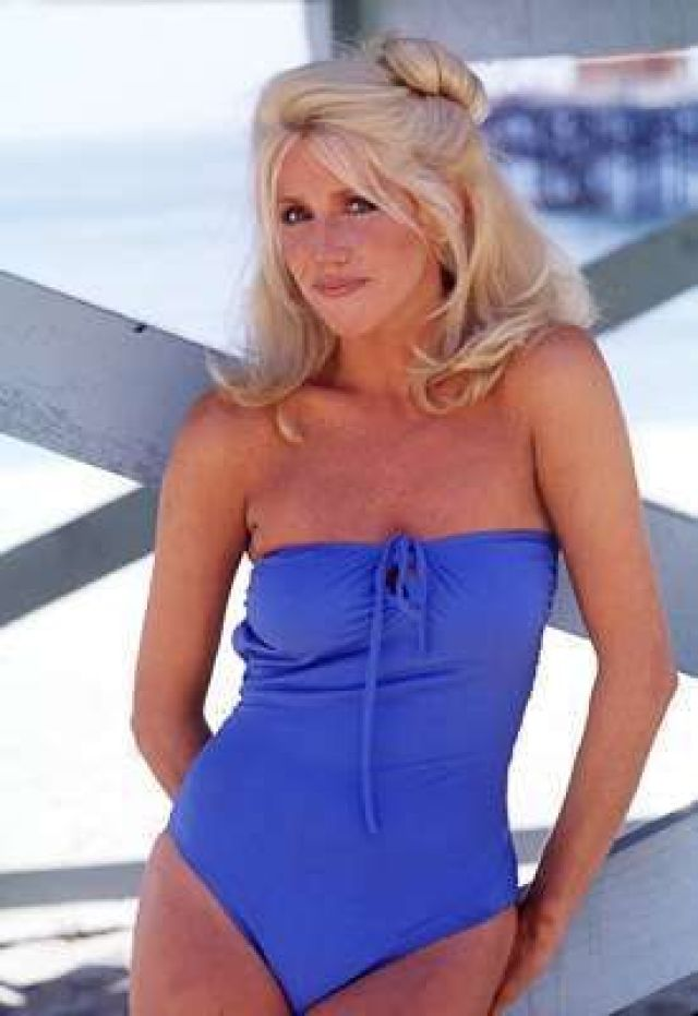 Suzanne Somers tits pictures