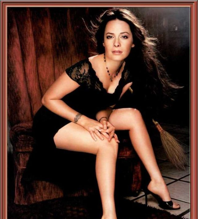 Holly Marie Combs pussy