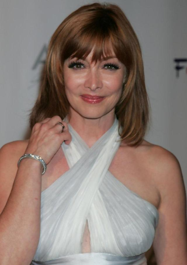 sharon lawrence sexy look