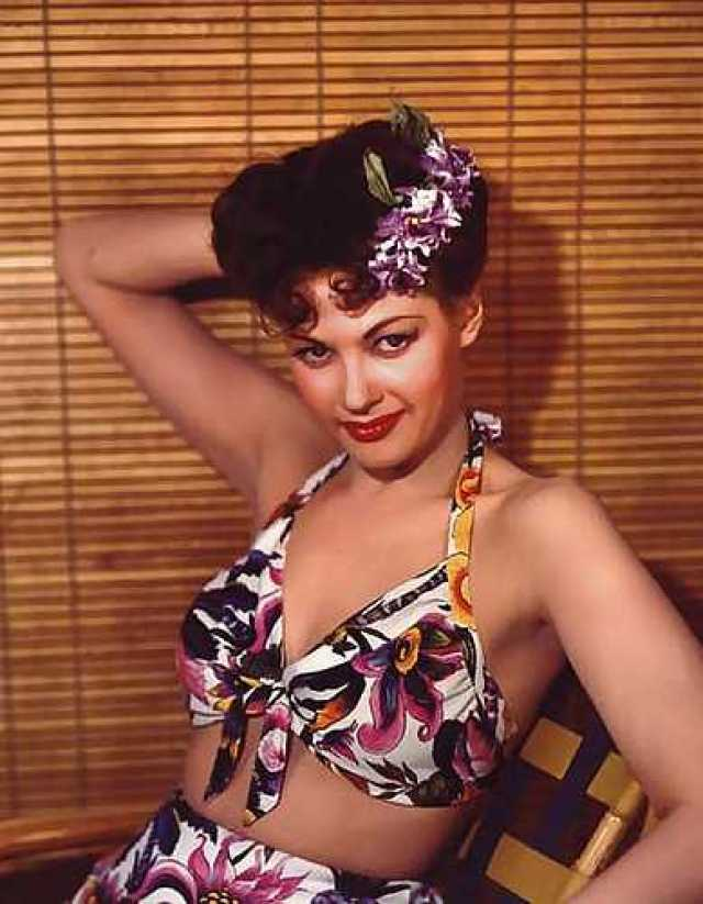 yvonne de carlo sexy pictures