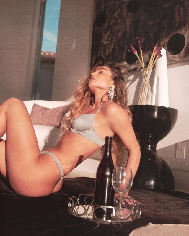 Sommer Ray hot and sensual