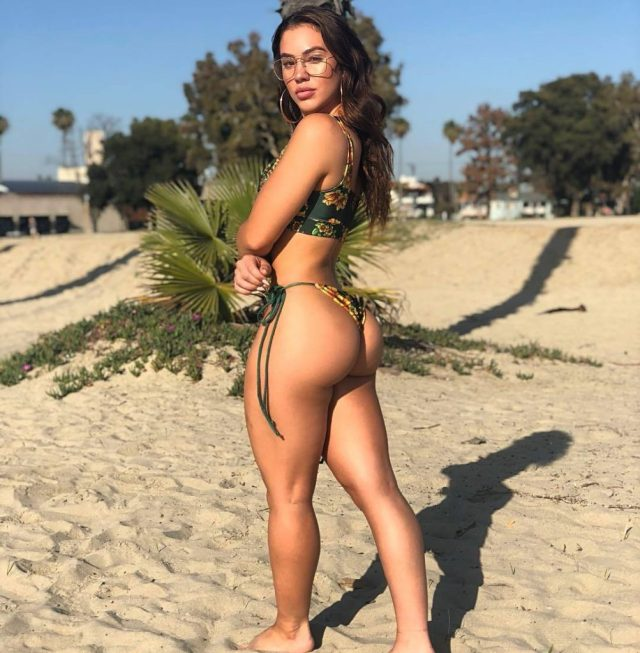 Chrystiane Lopes ass pictures