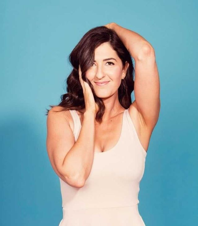D'Arcy Carden hot pictures