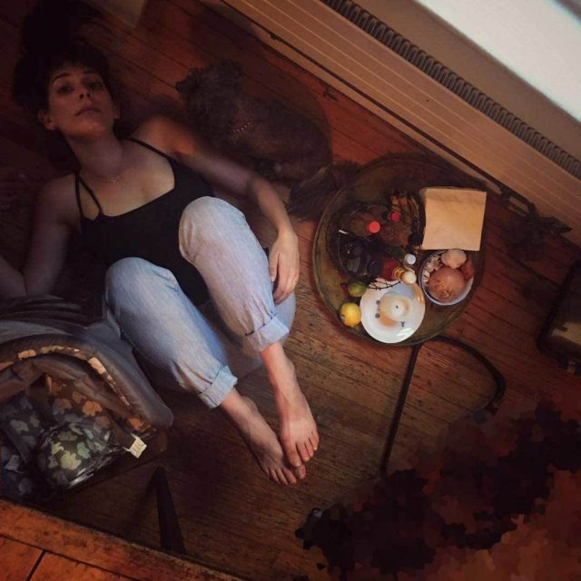 Lindsey Broad feet pictures