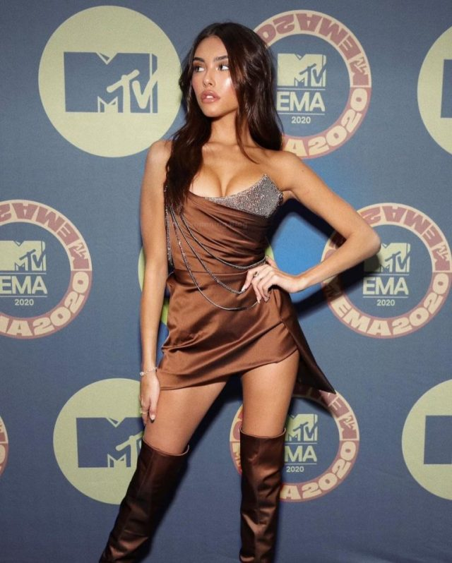Madison Beer sculpted figure