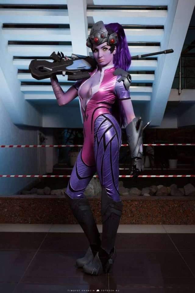 widowmaker cleavage