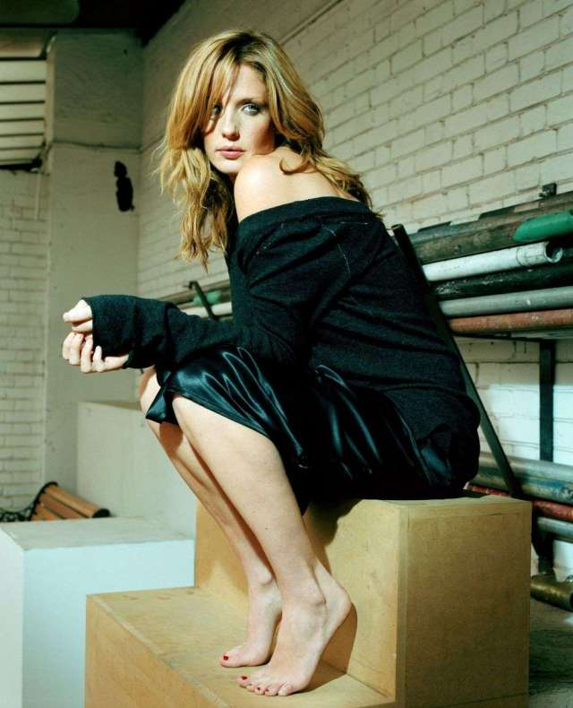 Sexy kelly reilly Beth From