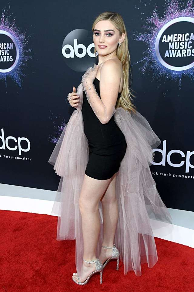 Meg Donnelly sexy look
