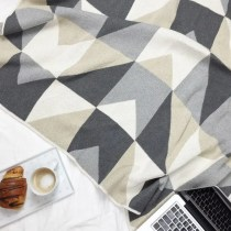Angles Eco Throw - Neutral
