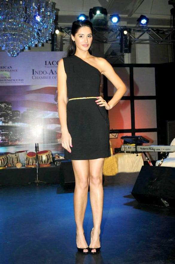 List of Top 13 Tall Actresses in Bollywood With Height | BOTY