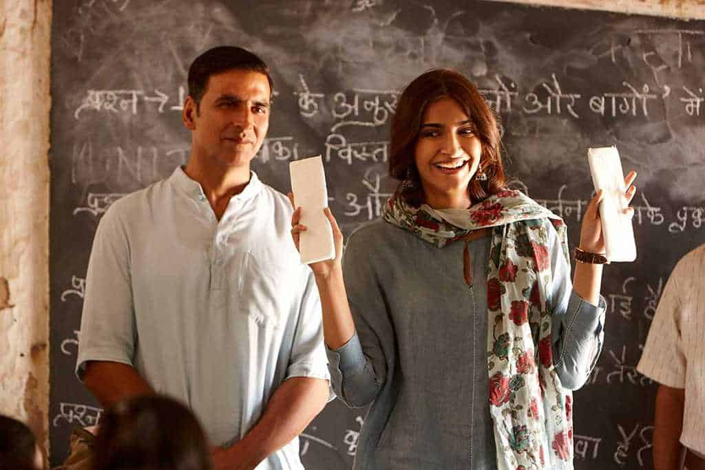 akshay kumar and sonam kapoor in padman