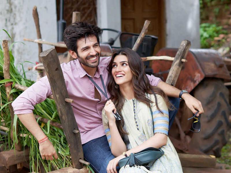 Kartik Aaryan and Kriti Sanon in Luka Chuppi