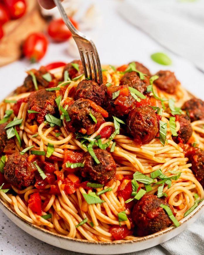 Spaghetti with Mini Meatless Balls