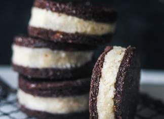 Double-Stuffed Raw Vegan Oreos