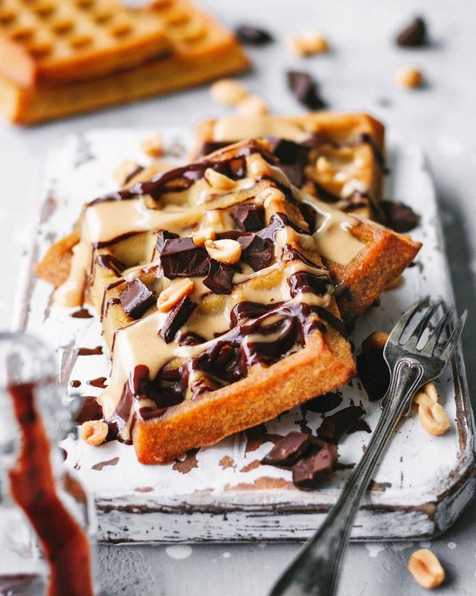 """Baked """"Snickers"""" Waffle"""