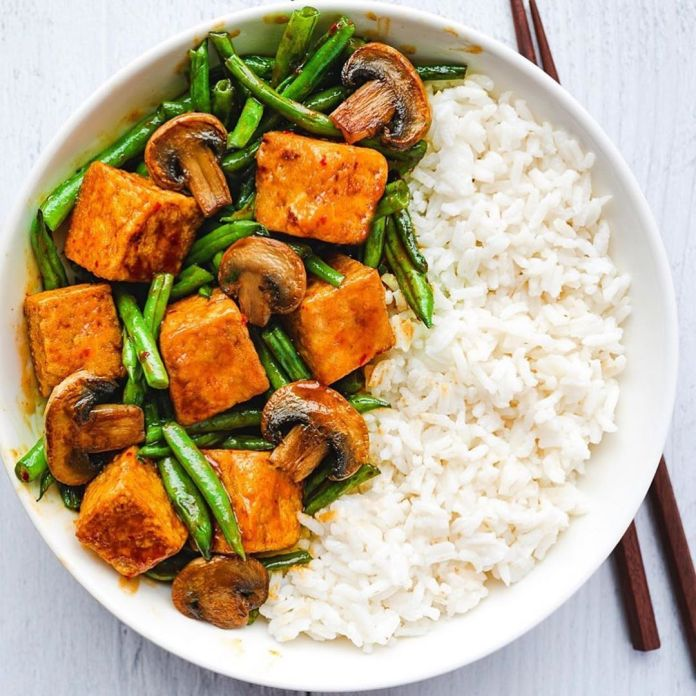 Crispy Tofu Stir-fry with Mushrooms and French Green Beans in Korean BBQ Sauce
