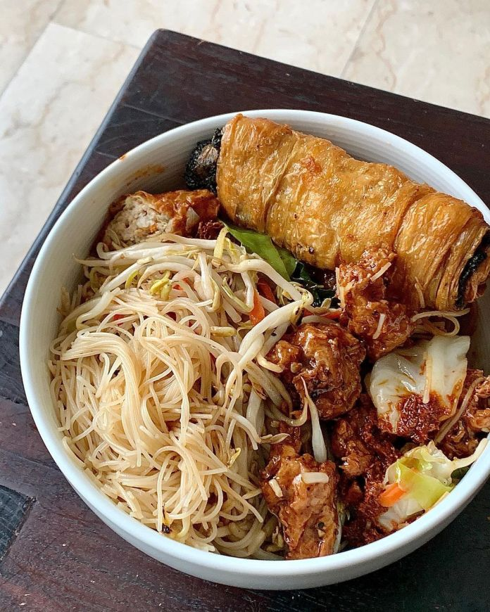 Vegan Singaporean Cuisine: Bee Hoon