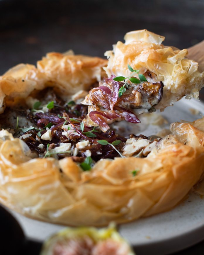 Cheesy Vegan Grilled Figs Phyllo Pie with Caramelized Onions & Walnuts