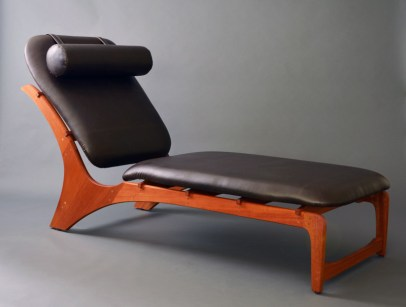 Besides seating one happy reader, the long flat cushion can also seat two or three comfortably.