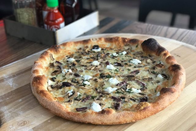 بيتزا مطعم بوسولا Bussola Dubai افضل بيتزا في دبي