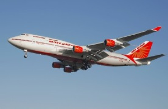 Air_india_b747-400_vt-esm_lands_arp