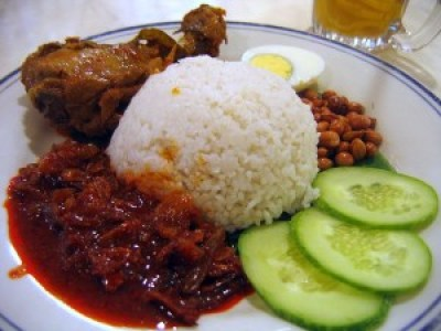 Nasi Lemak- Malaysian foods- Image courtesy- traveldelight.biz