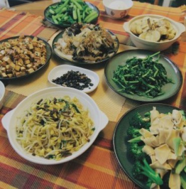 Vegetarian Dishes prepared for the Chinese New Year's eve Photography: Mandylovefly