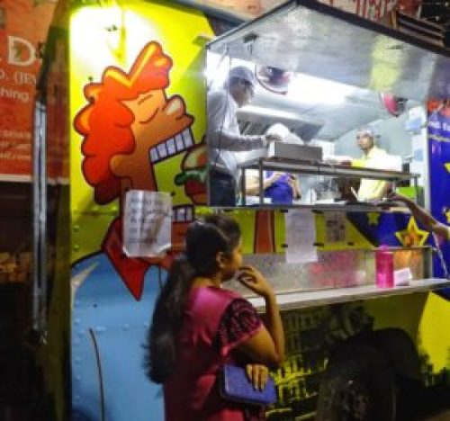 agdumbagdum-food trucks in Kolkata