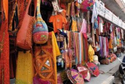 Street shopping in Jaipur, India