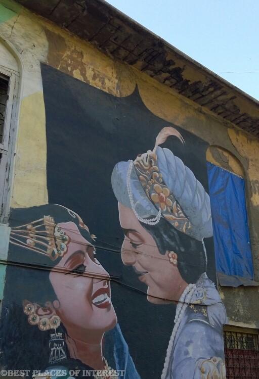 Street art on the houses in Bandra