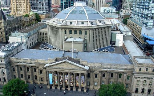 State Art Library of Victoria - Wikimedia_Brian Jenkins
