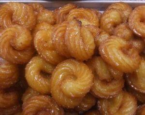 Pinterest Mshabak with honey, street food Syria