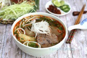 Hue beef noodle soup Da Nang - Bún bò Huế Đà Nẵng | by HoianFoodtour Vietnam street food
