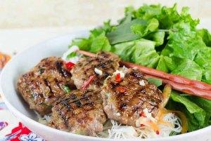 Vietnamese Grilled Meat Vermicelli, street food Vietnam