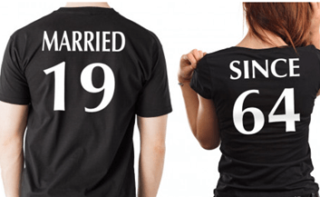 married t-shirt as outfit for travelling