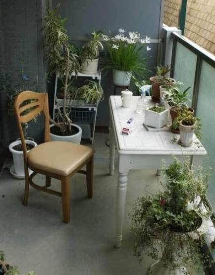 34 Beautiful Apartment Balcony Decoration Ideas Making The Most Out Of Your Balcony 25