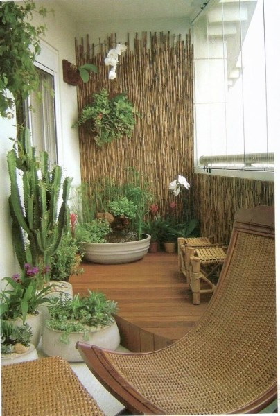 34 Beautiful Apartment Balcony Decoration Ideas Making The Most Out Of Your Balcony 31