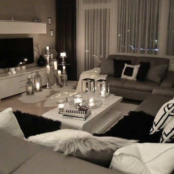 38 Most Popular Modern Living Room Decoration Ideas That Look Comfortable 8