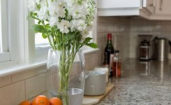 72 Beautiful Kitchen Countertop Ideas With White Cabinets Look Luxurious 30