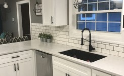 72 Beautiful Kitchen Countertop Ideas With White Cabinets Look Luxurious 8
