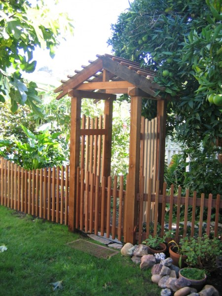 84 Backyard Decoration Ideas for Transform Your Backyard with A Quality Wood Pergola or Arbor 6346